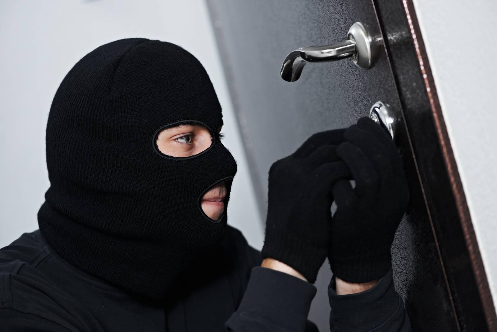 Elektrik kesilirse ya da hırsız alarm sisteminin sigortasını kapatırsa ne olacak?